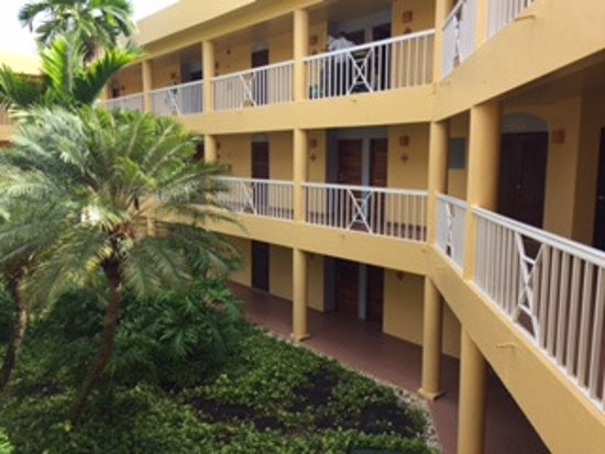 VH Gran Ventana Beach Resort: Hallways to your room