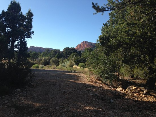 Stone Canyon Inn: the view from outside our unit
