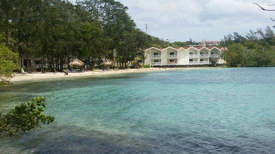 Fantasy Island Beach Resort: Lo mejor: su paradisiaca playa privada, mejor que las de West Bay.