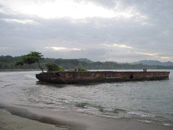 Puerto Viejo Beach: Vestigio de historias pasadas!