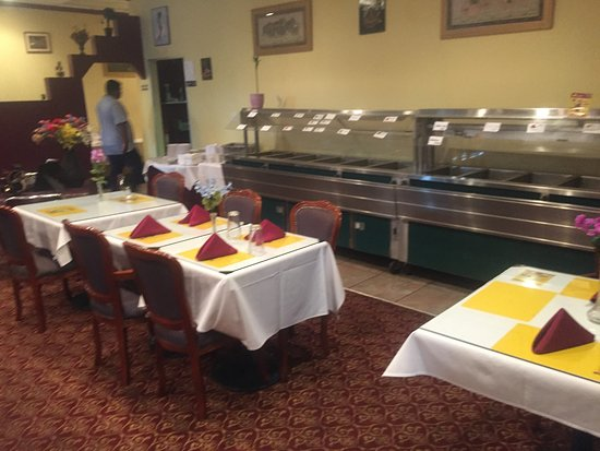 Swagath Indian Cuisine : Offers a noontime buffet.