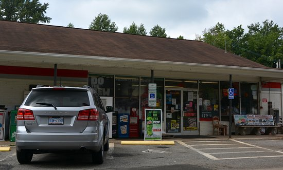 Vale, NC: One stop for a bit of everything including food