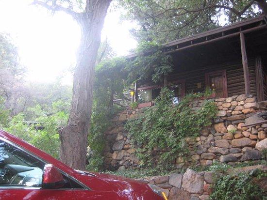 Garland's Oak Creek Lodge: Cabin #8