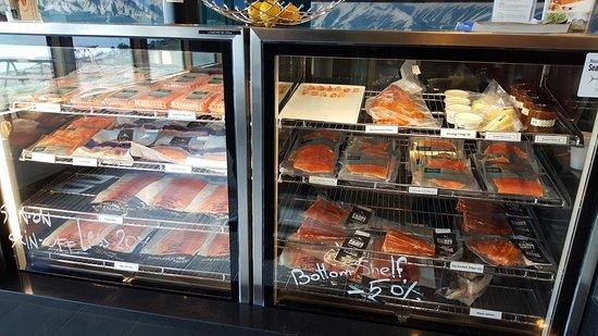 Twizel, นิวซีแลนด์: 販售各式鮭魚