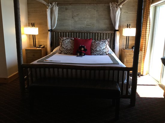 The Edgewater, A Noble House Hotel: Bedroom Suite