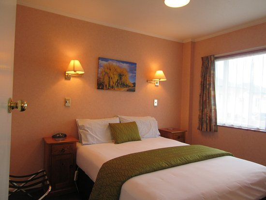 Parklands Motor Lodge Timaru: First Bedroom (2 Bedroom Unit)
