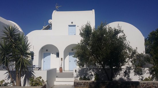 Pelagos Hotel-Oia: Cutest accommodations...feels like home!