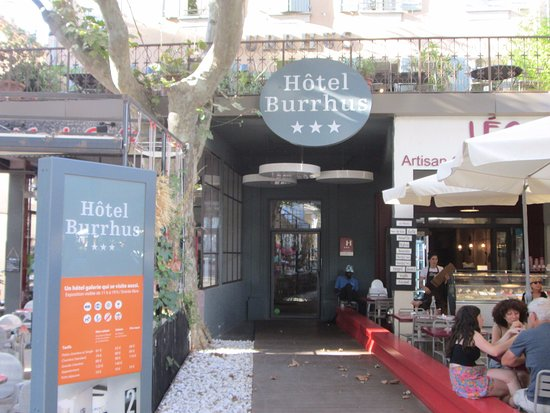 Hotel Burrhus: entry