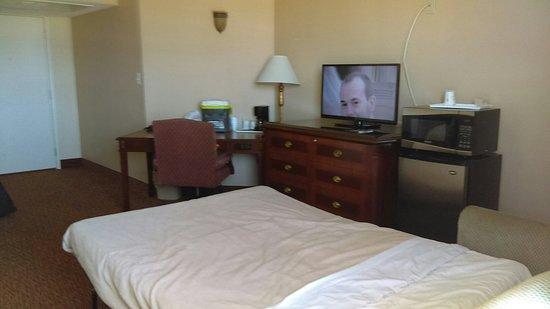 Days Inn Torrance Redondo Beach: IMAG0122_large.jpg