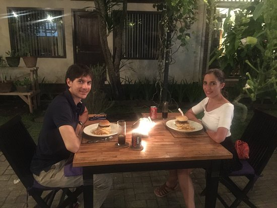 Asmara Restaurant & Bar: Hamburger with french fries in romantic place
