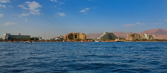 View_of_Eilat_from_the_Red_Sea