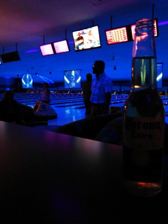 Hunter's Bowling Centre - Fairhaven