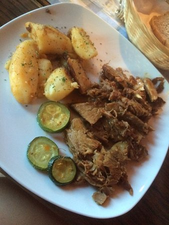Plitvicka vila: Delicious slow roasted beef.