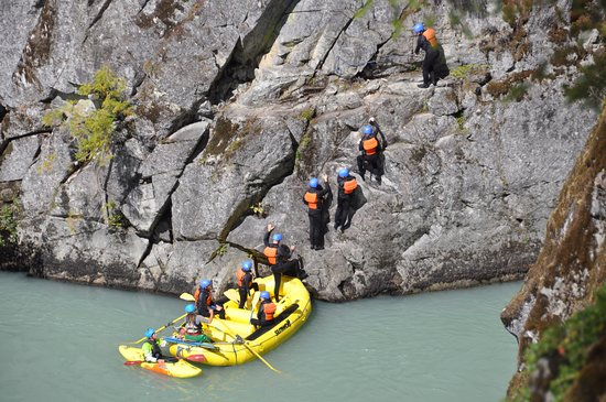 Sunwolf Rafting: Cliff Jump