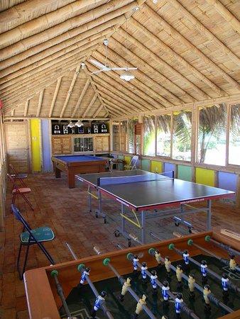 Bora Bora Bungalows: MAEVA-SALA DE JUEGOS