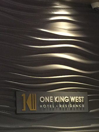 One King West Hotel & Residence: photo0.jpg