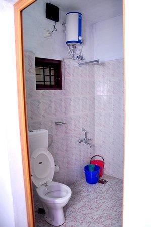 Kunchithanny, Inde : Bathroom New cottage