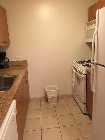 Apt 168 : Kitchen