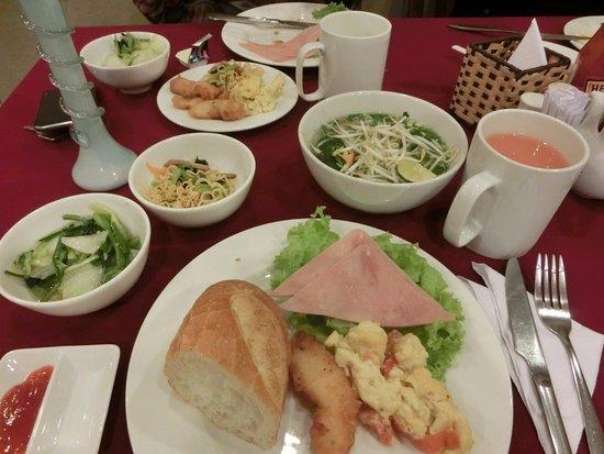 Thien Thao Hotel Ho Chi Minh City : 朝食ブッフェ