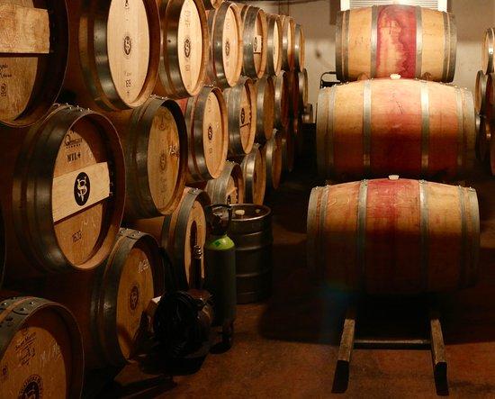 Waiheke Adası, Yeni Zelanda: The cellar at Stonyridge vineyard.