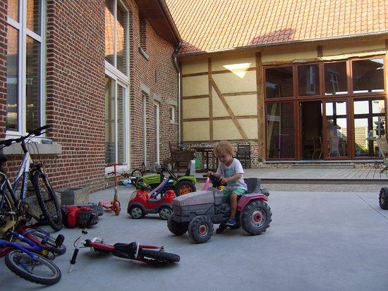 't Maanhof : Leuke speelplaats voor de kleintjes op de afgesloten en veilige binnenkoer