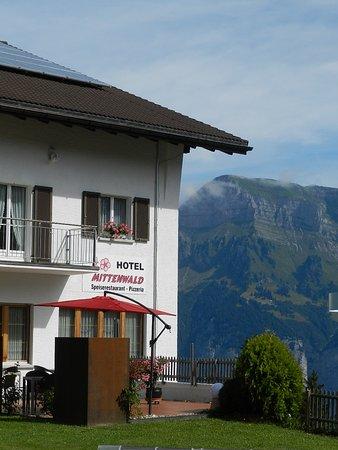 Hotel Mittenwald: Aussicht zu den Bergen