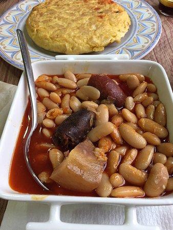 Tortilla de patatas y Fabada Asturiana