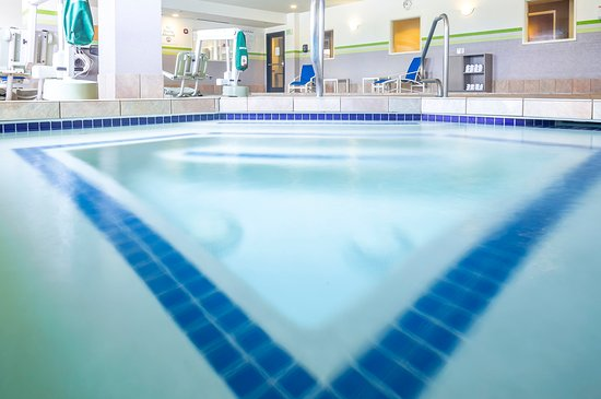 Holiday Inn Express Hotel & Suites Manchester Airport: Swimming Pool
