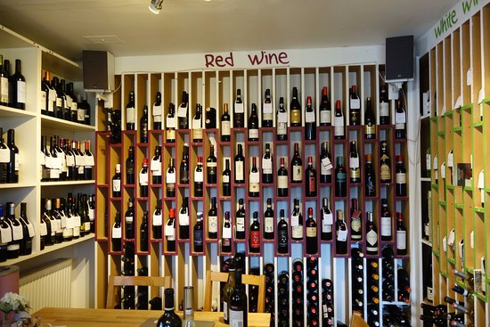 Kippen, UK: Selection of wine