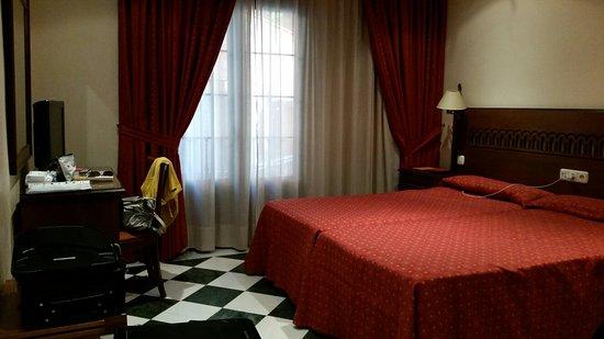 Hotel Las Almenas: 20160831_201218_large.jpg