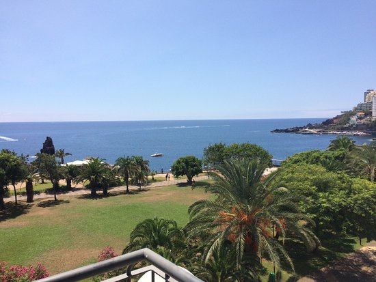 Porto Mare Hotel: Sea view from grounds