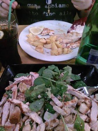 L'Insalata Ricca: pollo alla Griglia con patate al forno