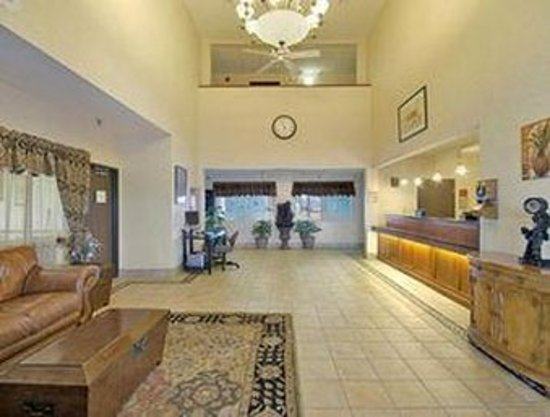 New Victorian Inn & Suites Sioux City: Lobby view