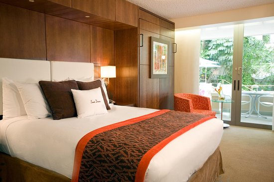 Doubletree by Hilton San Juan: Queen with Double Murphy Bed