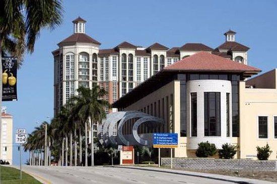 西棕櫚灘機場斯戴酒店