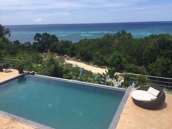 Ocean Suites Boutique Hotel Bohol: Upper level Pool