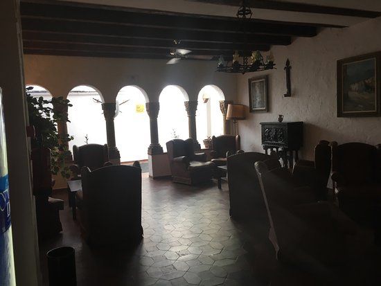 Hotel El Cid: 4* experience with a 1* rating - clean, superb value and a decent breakfast