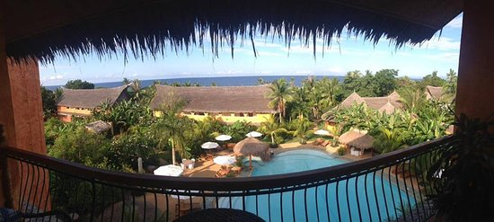 Coco Grove Beach Resort: Amazing view to wake up to.