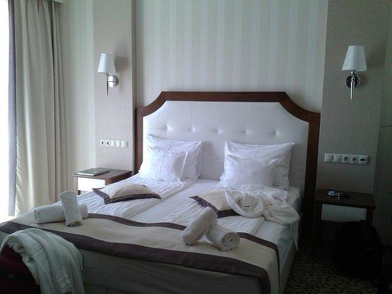 Morahalom, ฮังการี: Szép, kényelmes ágy