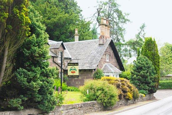Meikleour Arms Hotel & Restaurant: Restaurant exterior