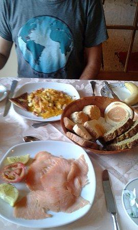The Gap Lodge: Desayuno, el pan y los dulces hechos por los dueños exquisitos.
