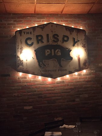 Sea Cliff, NY: The Crispy Pig