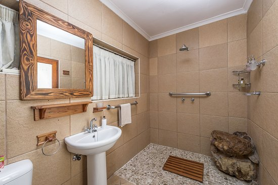 Colchester, Afrika Selatan: Buffalo Family Suite Bathroom