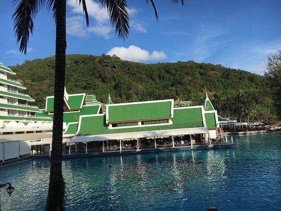 Le Meridien Phuket Beach Resort: photo1.jpg