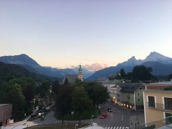 Hotel Edelweiss: View from roof top restaurant