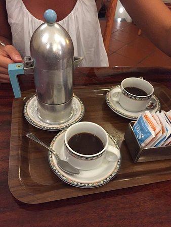 da Pasquale: il caffe viene servito cosi