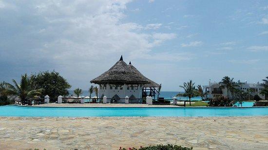 Royal Zanzibar Beach Resort: IMG_20160825_125040_large.jpg