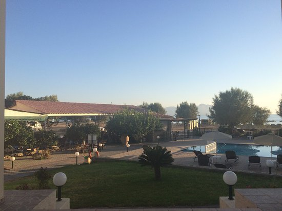 Foto de Yota Beach Hotel