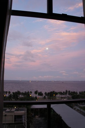 New World Manila Bay Hotel Bild