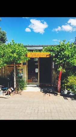 ‪Hahndorf Antiques and Collectibles‬